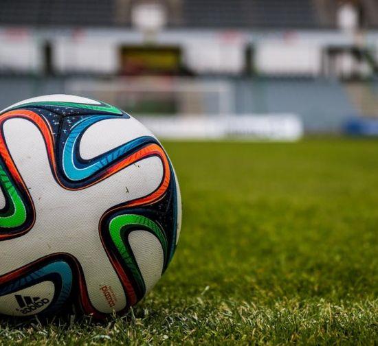 Football sepak bola