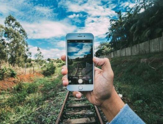 smartphone keren kamera, rel kereta